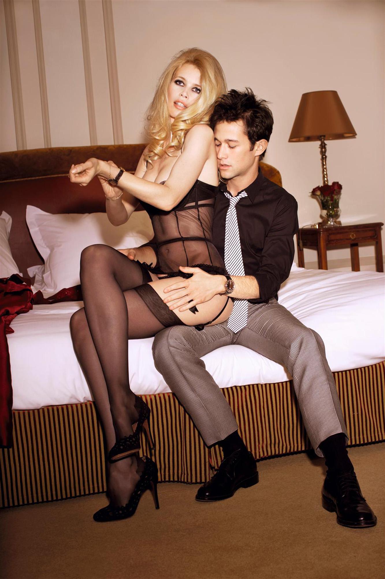 Мужики фотографируют голых любовниц в чулках  484421