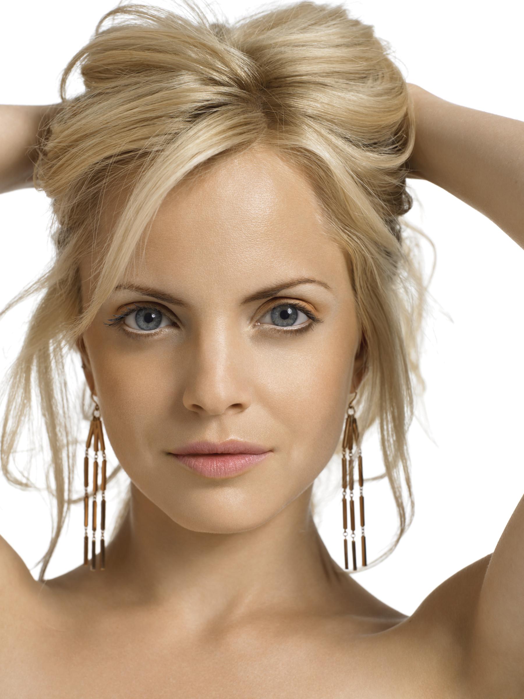 Как сделать блондинку в фото